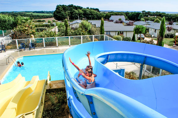 swimming pool with slide camping kergal